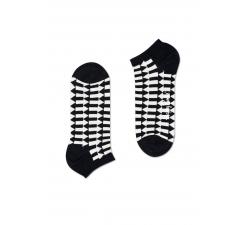 Nízke čiernobiele ponožky Happy Socks so šípkami, vzor Direction