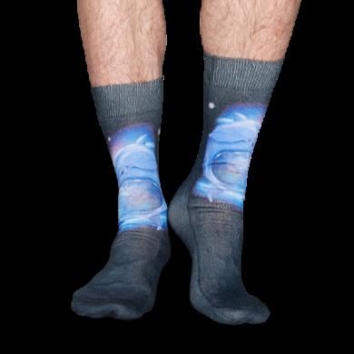 Šedivé ponožky Happy Socks s delfíny, Dolphin Print // kolekce Special Special