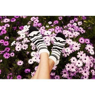 Nízké černobílé ponožky Happy Socks se vzorem Zebra
