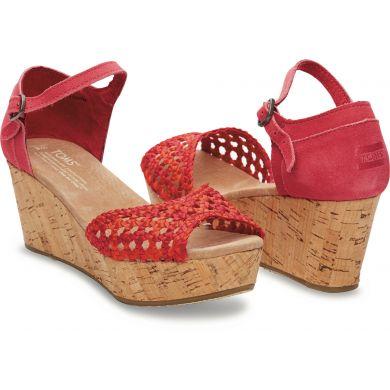 Červené dámské saténové sandálky na klínku TOMS